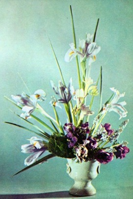 Flower Arrangements Using Irises