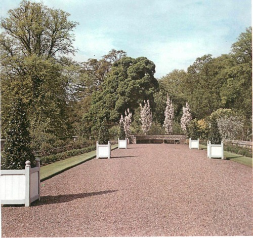Tyninghame garden east lothian for Garden design east lothian